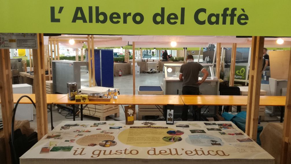 mercato del caffè di montagna verde